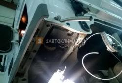 Установка отопителя  Планар 44Д на Mercedes Actros