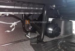 Отопитель ПЛАНАР 4ДМ2-24 установлен между водительским и пассажирским сидениями за кулисой передач