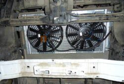 Монтаж радиатора кондиционера, кожуха радиатора с вентилятором кондиционераа