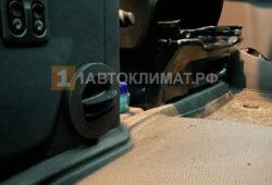 Ззакрывающийся дефлектор в кабине