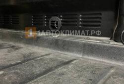 Закрывающийся дефлектор в фургоне